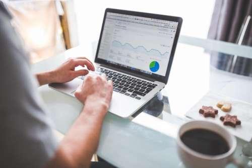 analytics charts graphics marketing traffic