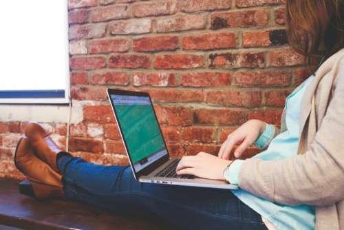 macbook laptop computer technology girl