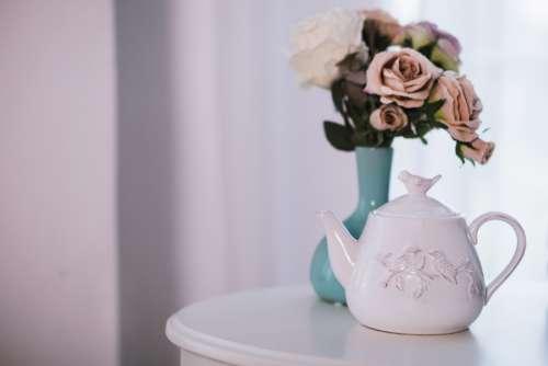 tea pot flowers table white