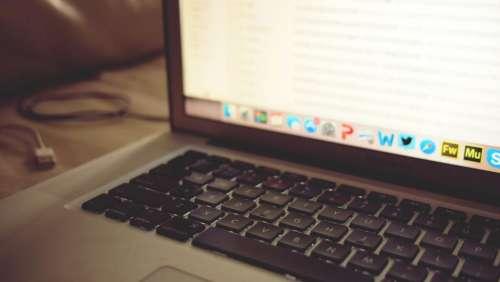 macbook laptop computer keyboard technology