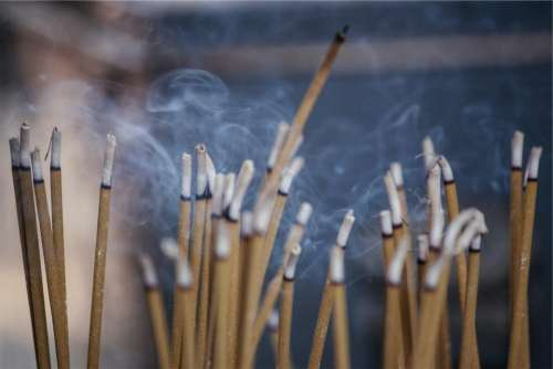 incense scent smoke