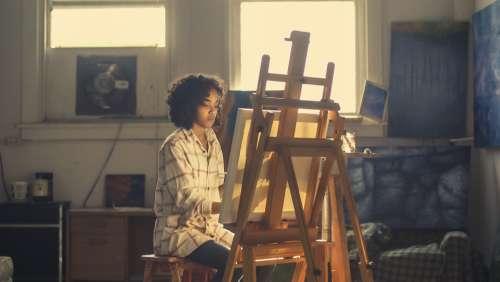 focus studio woman artist painter