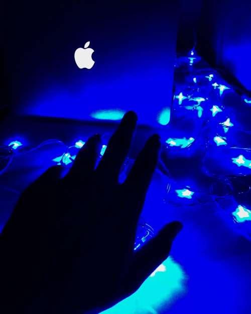 hand palm laptop blue light