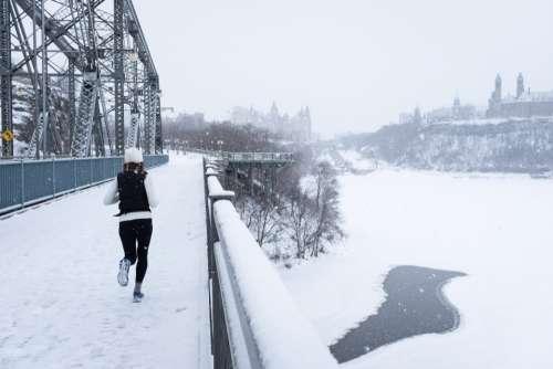 running urban exercise runner winter