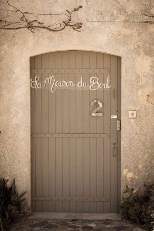 house doorstep door ring two