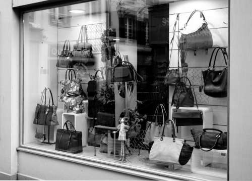 bags gift store display design
