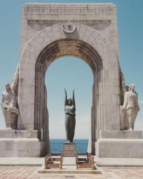 statue sculpture monument gate arch