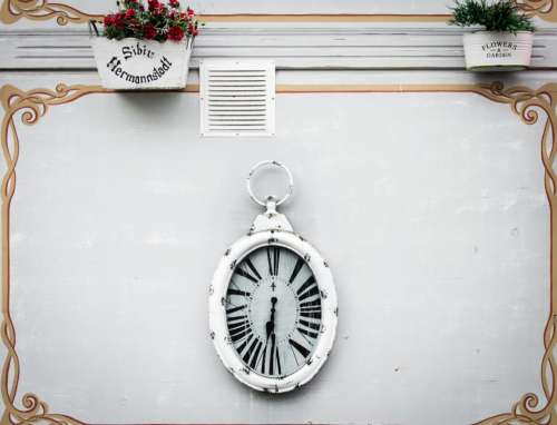 wall clock flower pot vase
