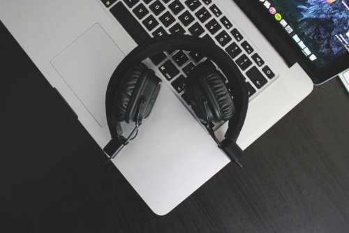 headphones audio macbook laptop computer