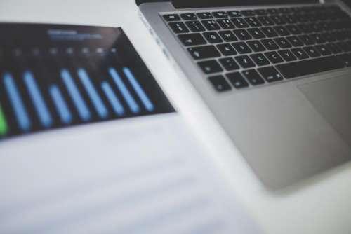 macbook laptop computer technology charts