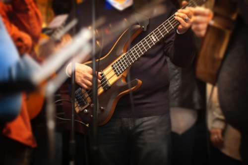 guitarist music stage band sond