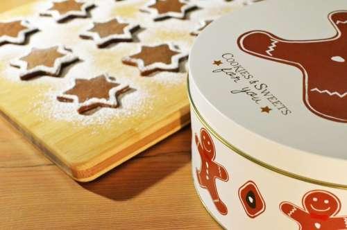gingerbread cookies tins sweets treats