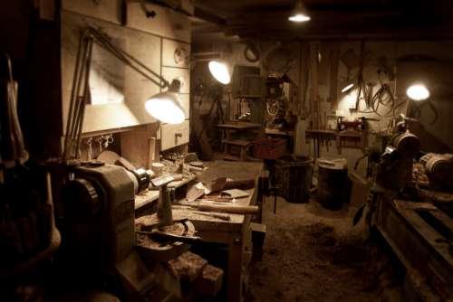 carpenter workshop woodwork wood joiner