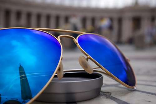 sunglasses blue reflection objects