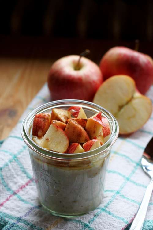 apple slices organice yogurt healthy