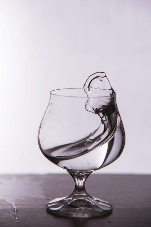 Water glass splash water motion