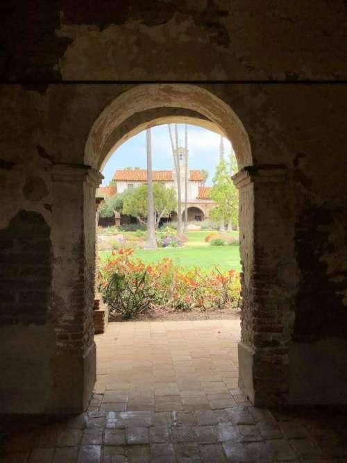 Mission San Juan Capistrano architecture