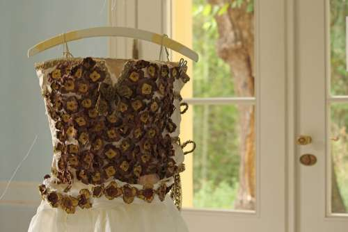 Art Paper Art Coat Hanger Paper Dress Issued