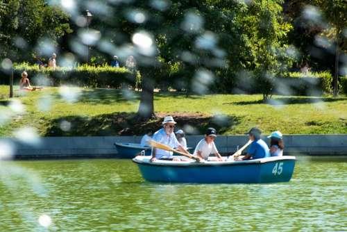 Family Boat Lake Park Nature Water