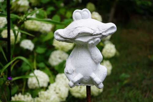 Figure Frog Garden Decoration White