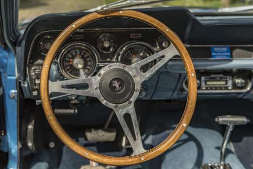 Ford Mustang Oldtimer V Retro Sports Car