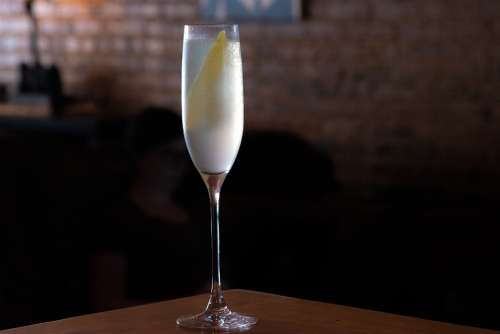 French 75 Cocktail Craft Gin Champagne Liquor