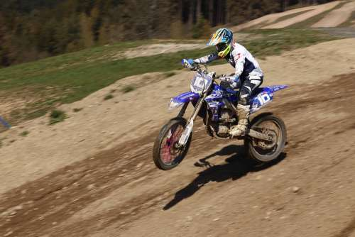 Motocross 450Ccm While Dirtbike Training Speed