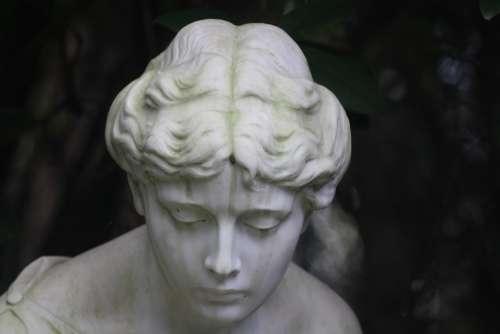 Sculpture Angel Park Cemetery Ohlsdorfer Cemetery
