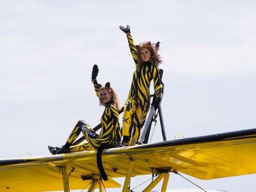 Stunts The Plane Shows Flight Tickets Sky Wing
