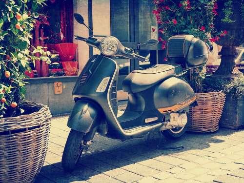 Vespa Retro Vintage Motor Scooter Roller Moped