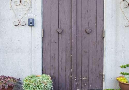 Door White Purple Magenta Chimney Fireplace Clean