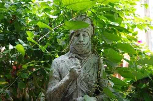Garden The Statue Of Green