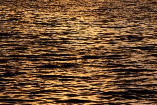 rippled water lake waves reflections