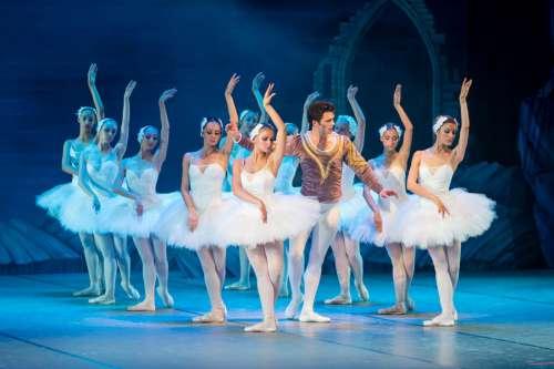 Dancers at Ballet