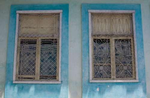 Blue Windows, Havana