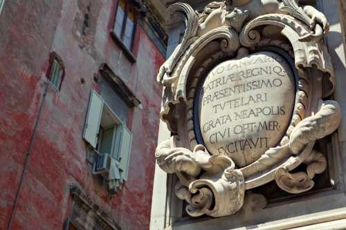 Fading Details, Napoli