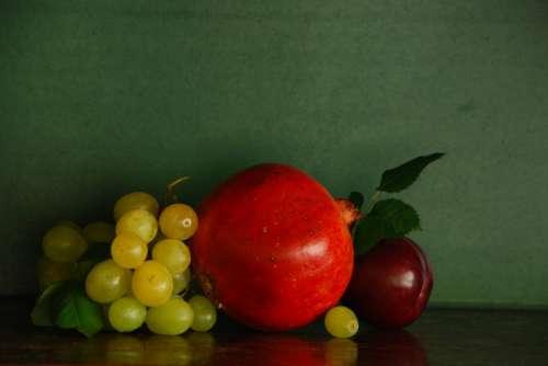 Pomegranate & Grapes