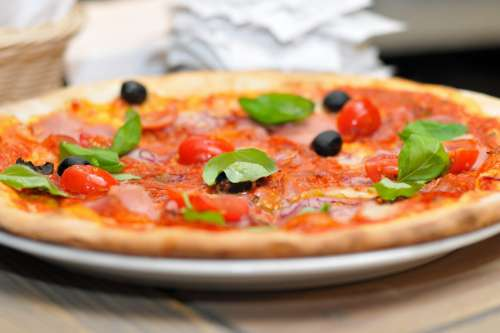 Pizza & Olives