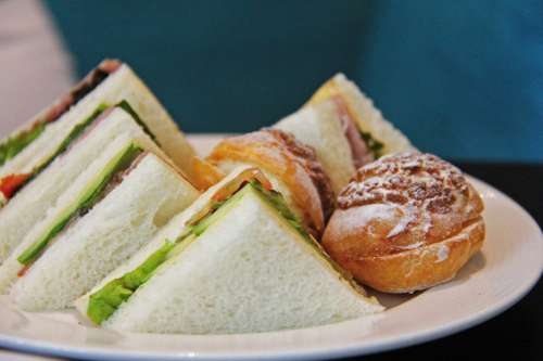 Plate of S&wiches