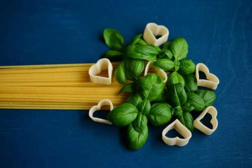 Spaghetti Pasta & Basil