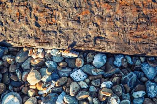 Wood & Pebbles