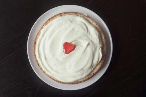 Large Vanilla Cake Free Photo