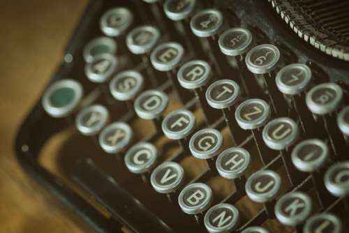 Closeup Vintage Typewriter Free Photo