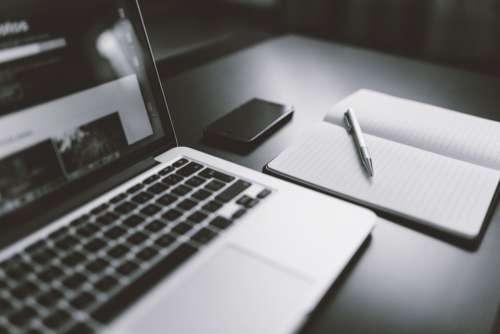 Minimal MacBook Free Photo