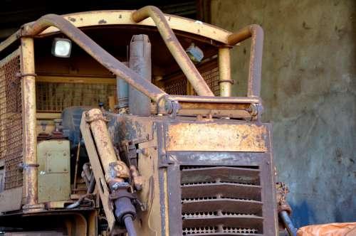Tractor Treadmill Old Vintage Rust Caterpillar