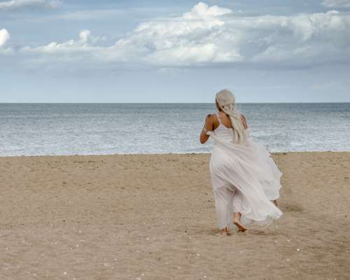 Beach Woman Dress White Wind Stolen Fairy Ocean