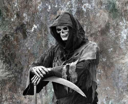 Cutter Man Scythe Spooky Fear Horror Shivers