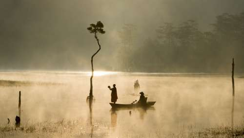 Outdoor Sunny Water People Boat Fishers Asia Fog