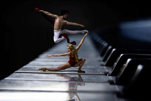 Piano Ballet Dancer Piano Keys Leap Dance Red