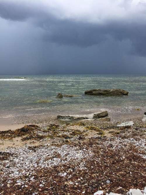 Sea Threatening Rain Clouds Sky Water Dramatic